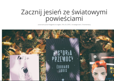 Księgarka na regale o Historii przemocy na jesień