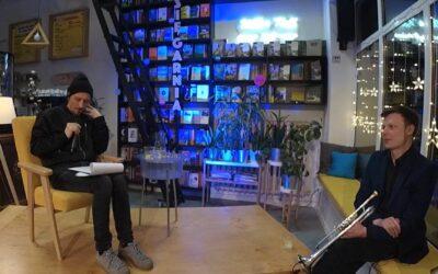 """""""Historia przemocy"""" – słuchowisko z muzyką na żywo na podstawie powieści Édouarda Louisa [WIDEO]"""